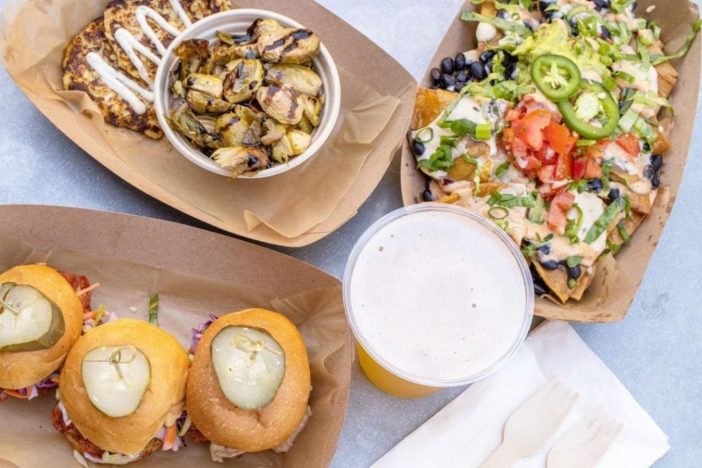 Taste From These Local Food Vendors At This Weekly Food Truck And Live Music Event